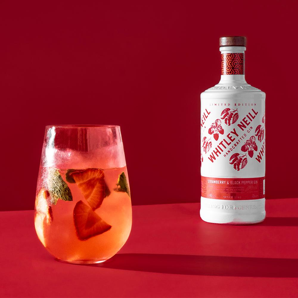 Obrázok k ginu Whitley Neill Strawberry & Black Pepper Gin